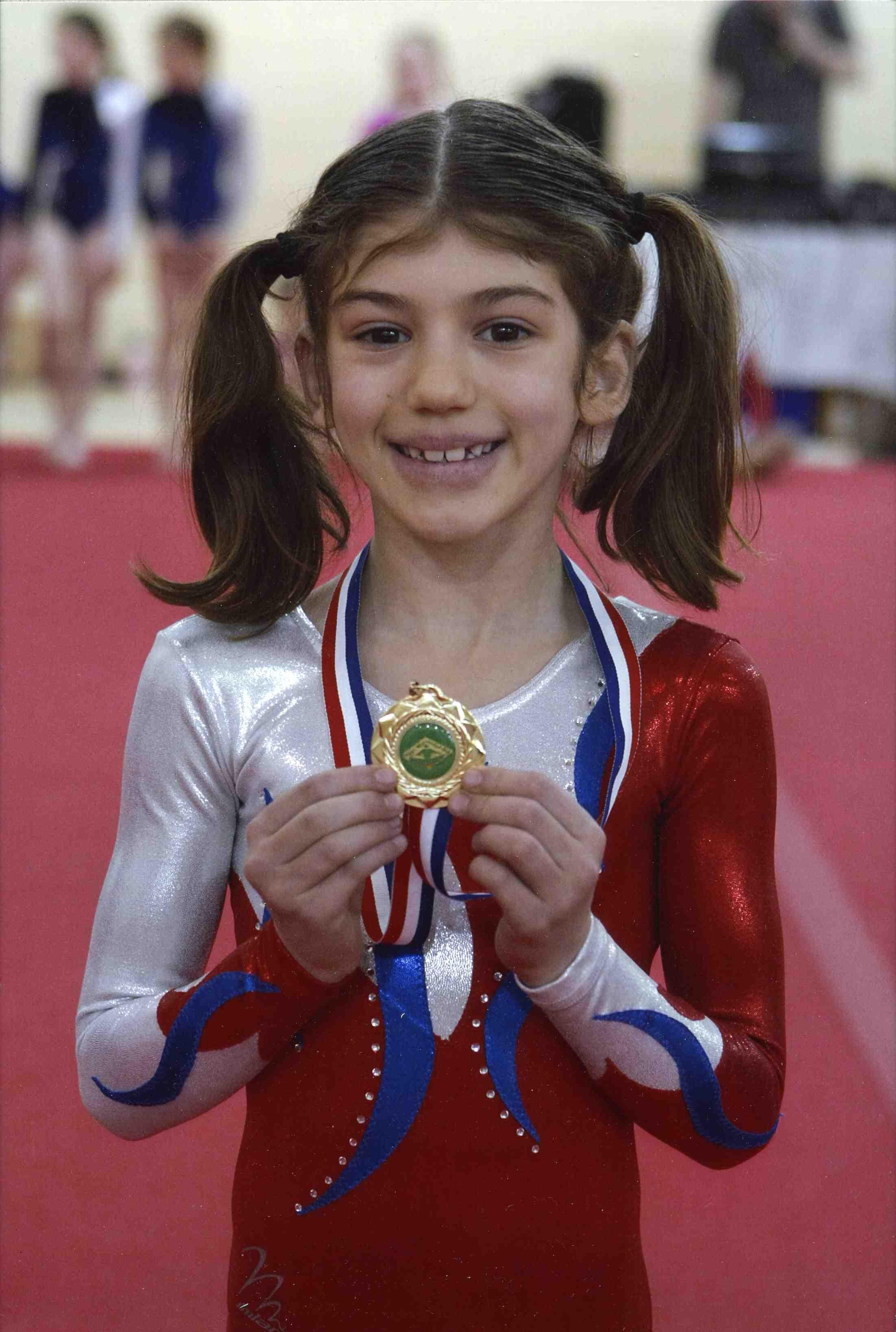 Dinah, Receives Gold Medal