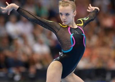 Megan Parker: floor routine in team championships